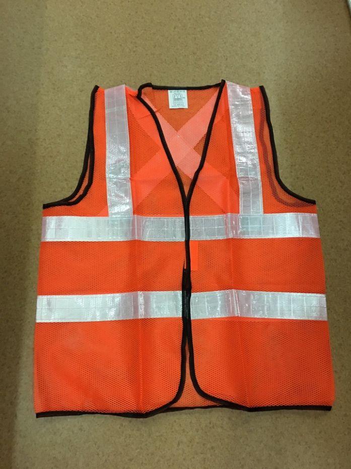 Áo lưới màu cam phản quang trắng chéo sau lưng APQ 20